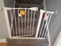 Lindam baby gate with x3 extensions
