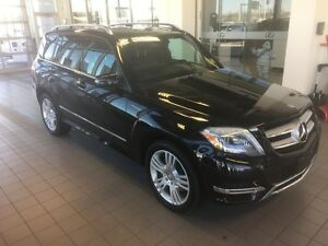 Beautiful Black/Black GLK 250 Low KM Trade: Navigation, Heated