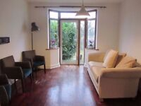 3 bed semi, Hendon, NW4 close to middx uni.
