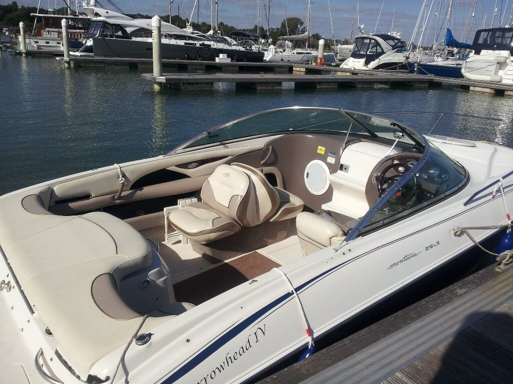 21 Monterey Sports Boat Cuddy Cabin Complete With All Accessories