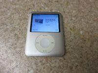 Apple iPod nano 3rd Generation - 8 GB in silver