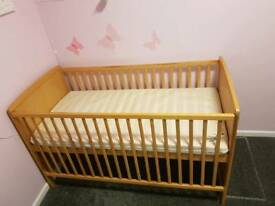 Cot bed £25