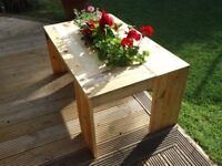 Unique Rustic Outdoor Pallet Wood Coffee Table with Drink Cooler or Flower Pot - ono