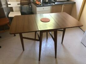 Rare and mint condition Vintage Formica Table