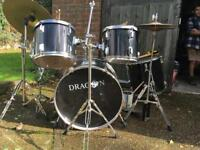Dragon 8 piece drum kit