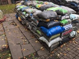 25kg Bags of top soil (Easy Access ) 50p Per Bag (or £40 ton)