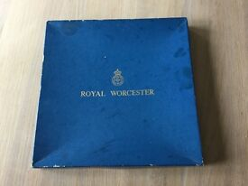 Royal Worcester cake/ cheese plate like new