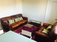 Centrally located 4 bedroom flat suitable for students or young professionals