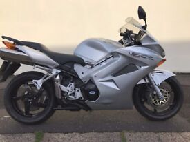 2004 HONDA VFR800 VTEC GOOD RUNNING BIKE WITH MOT AND HISTORY ONLY £2450