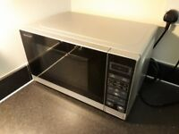 ONE-YEAR-OLD Sharp SHR272SLM Microwave 20 Litre, 800 Watt, Silver