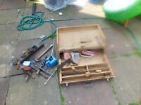 JOINERS TOOL BOX FROM 1960s WITH VARIOUS HAND TOOLS