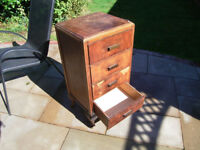 Small four drawer chest for upcycling, free to collect.