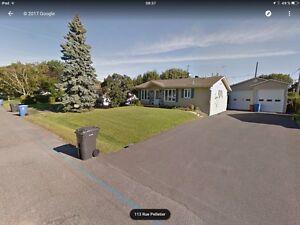 Maison à vendre à Saint-Paul garage double (taxes basse)