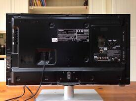 "PANASONIC 32"" FLAT SCREEN TV TX-L32E6B"