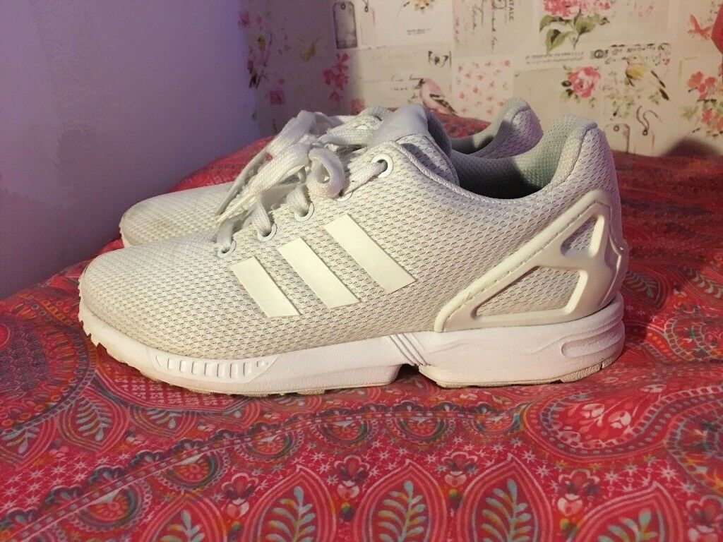 f2b320aa1ef1a White Adidas zx fluxes