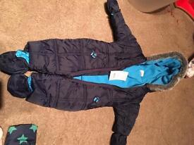 Boys snow suit. Size 0 - 3