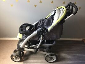 Pushchair with snack tray, cup holder and XL basket