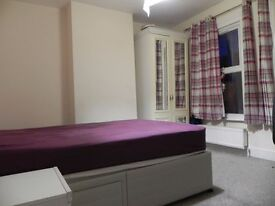 Double room for Single/couple all inclusive with fast wifi, kitchen bath shared with one person