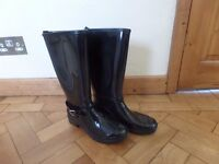Wellies for women size 5 glossy black