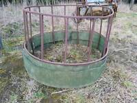 Cattle or horse hay ring