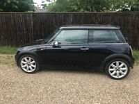 Genuine Mini Cooper 1.6 / 55 Reg / Metallic Black / 3 door