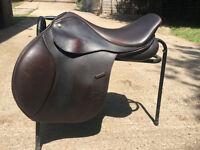"""Monarch GP saddle - 17.5"""" adjustable gullet"""