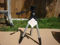 Small camera tripod in excellent condition