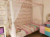 Girls 4 poster single bed