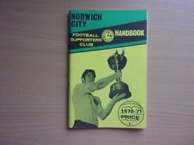 NORWICH CITY HANDBOOK 1970-1971. VERY GOOD CONDITION FOOTBALL HANDBOOK.