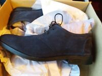 Hall & Sloane navy suede laceup shoes, UK size 9/Europe 43