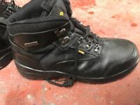 Safety shoe site size 10
