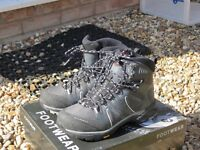 Womens walking boots - Mammut T Aenergy GTX size 5 - excellent condition , GoreTex, Vikram soles