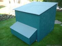 LARGE CHICKEN COOP size approx 1m x1.2m
