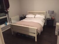 Beautiful double bed in great condition