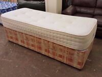 Small single bed with pocket spring mattress (75cm x 190cm) in very good condition