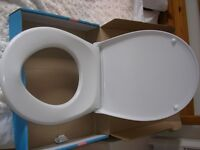 Soft close toilet seat and lid