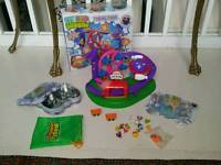 Micro moshi monster theme park with collectors tin & brand new moshlings