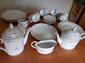 Fine Porcelain Dinner Service