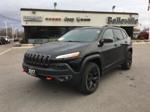 2017 Jeep Cherokee Trailhawk-Back up Camera-4x4