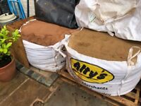 FREE - Attention builders!! - 1xBag of course sand (1 ton) and 1 xBag of fine builders sand (1 ton)