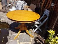 Pine pedastal round table and 5 chairs. Solid table, vgc, chairs all solid. Buyer collects