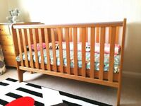 Solid Wood Cot bed/ Toddler bed/ Baby Bed