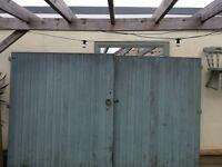 6ft x 10ft wooden driveway gates