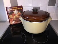 Electric slow cooker in cream