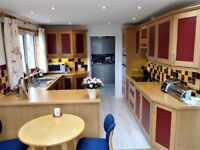 Fully fitted Callerton kitchen, shaker style, excluding hob and oven.