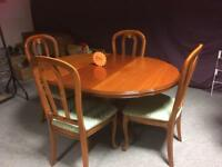Top quality dining room table & 4 chairs