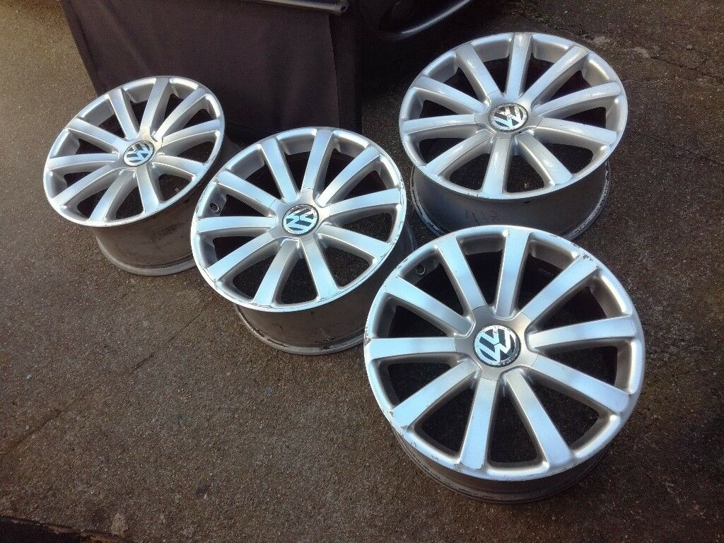 VW PHAETON Omanyt ALLOYS: 9 x 19 ET40 Genuine.