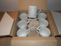 Set of 8 Brand New in Box ARC Mugs