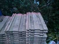 Approx. 570 used red roof tiles