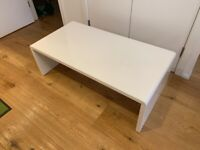 White sturdy table - tv stand - coffee table London E1